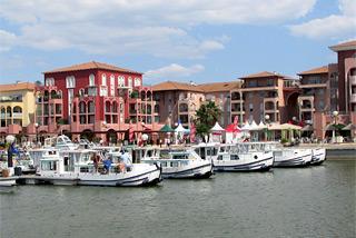 Infos zur hausboot basis lattes in der region camargue - Carrefour market port marianne montpellier ...