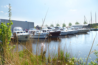 Hausboot-Hafen in Sneek