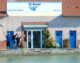 Le Boat Team in Migennes