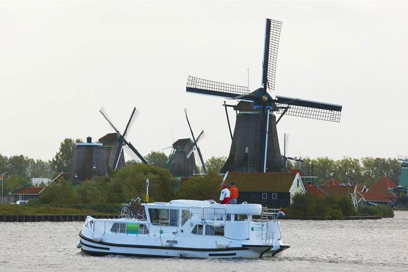 hausboot mieten in holland. Black Bedroom Furniture Sets. Home Design Ideas