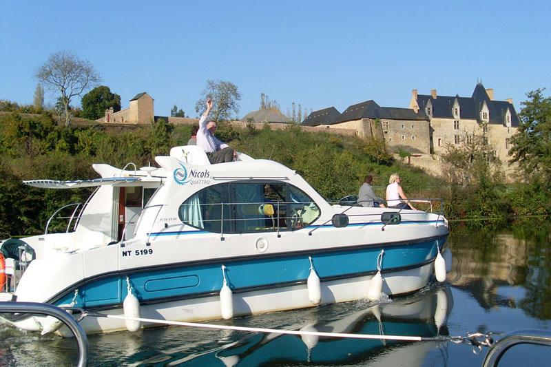 Hausboot mieten in anjou frankreich for Klassisches hausboot mieten